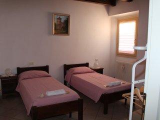 """Room & Breakfast """"Ostello degli Dei"""" (Camera Venere)"""