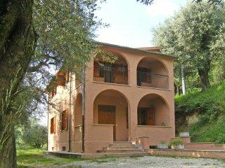 Villino panoramico con terreno alberato, Palombara Sabina
