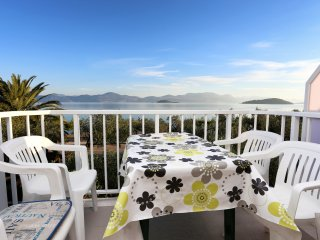 Apartments Glavor - One Bedroom Apartment with Balconies and Sea View