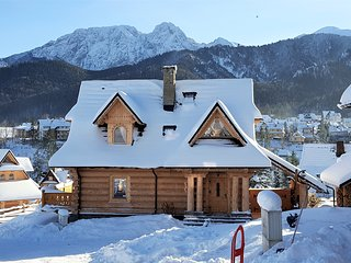 Mountain View Holiday Cottage with fireplace, Zakopane