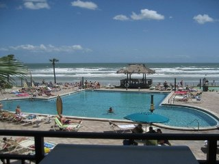 SALE Save$$ Many Fall and Winter dates at $70nt or $450 wk Lg Private Balcony