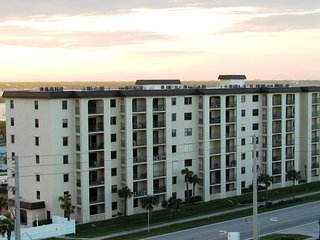 Great Location and Views  May and June Specials, Daytona Beach Shores