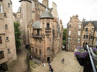 Luxury Flat in the heart of Edinburgh Old Town