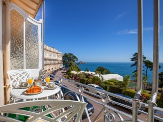 The Balcony, Torquay