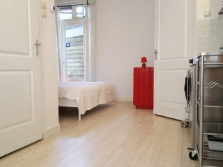 Groundfloor studio 3 /4 sleeps 2 KM from Anne Frank & 3 KM fr.Dam& Museum Square, Ámsterdam