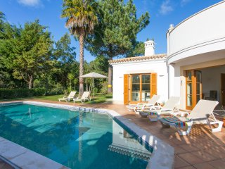Beautiful 4 bedroom villa with private pool at Alma Verde, Burgau