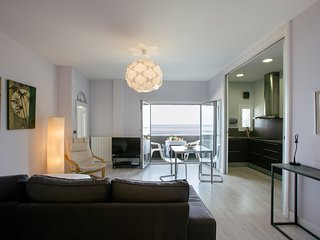 MAR Y PLAYA apartment - PEOPLE RENTALS, San Sebastian - Donostia