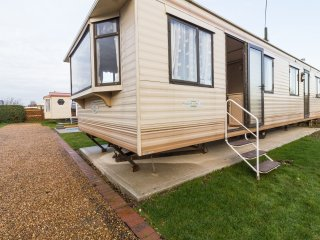 Ref 13007 lees Holiday park..3 Bed dog friendly caravan at Hunstanton beach