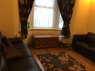 Indian Family house with in easy travel links to London on the doorstep, Ilford