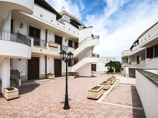 360 Apartment in a Complex in Marittima Castro