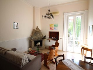 Charming apartment with balcony in liberty style villa - top location