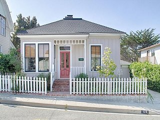 3746 The Guest House - Terrific Walk Everywhere Location, Pacific Grove