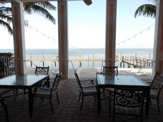 Resort Style FL Living! 1/1 Waterside Coquina Key furnished condo + Bonus room, San Petersburgo