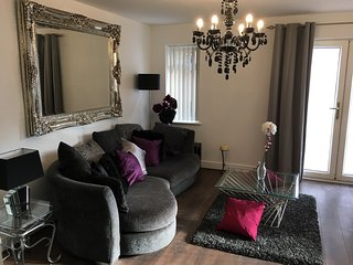 Garden-Luxury Home City Centre/Near Football, Liverpool