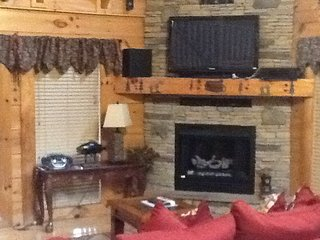 Lazy Bear Hide Away Cabin, Sevierville