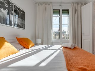 Lovely and sunny apartment  in Barcelona Centre