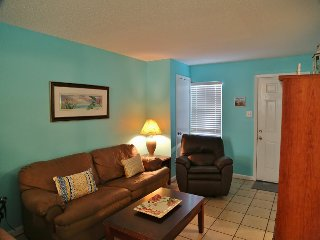 Sunrise Village 109 - Great price, just a few steps to the beach - FREE WiFi Aff