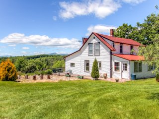 James Gandolfini Stayed Here! Rustic 5BR Mount Snow Farmhouse on 120 Private