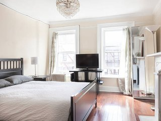 #1 Charming Private Studio 5 blocks from CENTRAL PARK & 2 blocks from Subway!!!