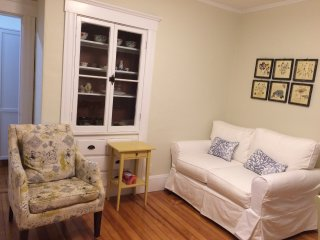 Renovated Comfy 3BR2BA with Parking, Cambridge