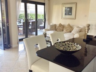 Holetown Holiday Apartment Rental - IXORA  2 - can be booked as 1 or 2 bedroom