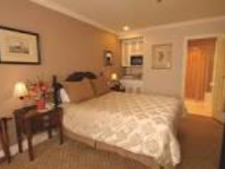 Inn at the Opera-Delightful Central Location with comfort.  Breakfast included