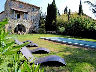 Uzès Gard, Charming stone house 10p private pool, La Bastide d'Engras