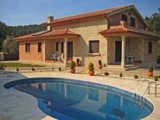 314 Beautiful Villa with pool near Portugal, Tomiño