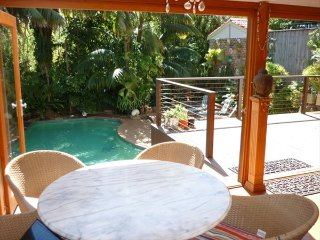 Charming 4BR Mosman Home w/Pool & Near Zoo LENOX, Balmoral