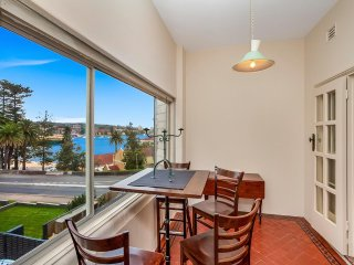 Ideal Manly Location, Views + Easy For Ferry MAN93, Varonil