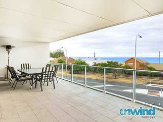 SA Holiday House: The Block' Ocean View apartment no 5