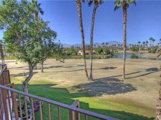 Great Views-Nice Décor-Pet Friendly! Palm Valley CC (VV523)