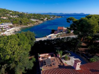 Villa Sur Mer, exceptional sea view, steps to the beach, Les Issambres