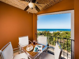 Beautiful 3 Bedroom Condo with Amazing Ocean View