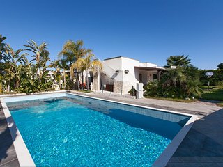 351 Villa with Pool in Torre dell'Orso
