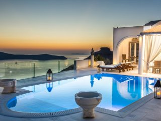 BlueVillas | TC | Private pool with unlimited view