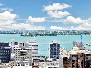 Glorious Metropolis High Life!, Auckland
