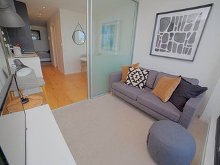 Amazing views, 1 bedroom apartment with a balcony!, Auckland Central