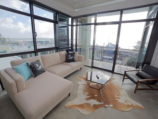 Penthouse Waterfront Apartment- Great views!, Auckland Central