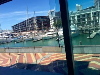 3bd Double-waterfront Luxury: Free parking!, Auckland Central