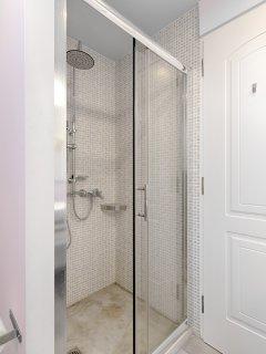 Shower in bathroom option 2