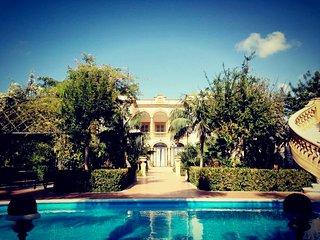 Elegante Appartamento con vista piscina da 2 a 5 pax