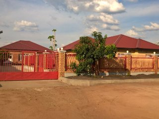 African Safari Experience Lodge - 3 Bedroom House, Livingstone