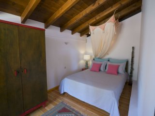 Beachfront Guesthouse sleeps 4 - Villa Marathoula