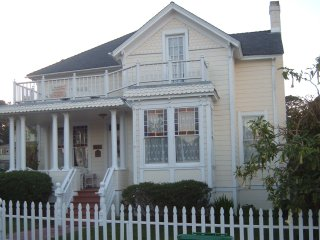 Large Historic Beautiful Victorian perfect family, Pacific Grove