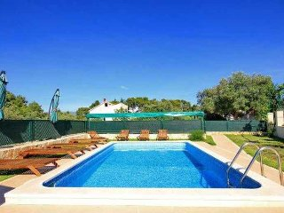 4 bedroom apartment with pool, Korcula