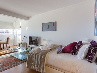 Sea View Studio Apartment, Estoril