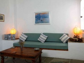 Lighthouse Complex - Petunia, Faros