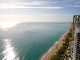 OCEAN VIEW 35 Floor 2bed+den Condo La Perla Miami