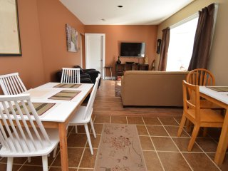 Great Valued Cozy 4 Bedroom with Parking in Toronto (Old Weston Village area).